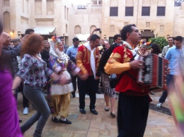 Stumbled across this massive dance party in the middle of Souk Madinat. So cool and so festive. The citizens of Dubai certainly do know how to have a good time.